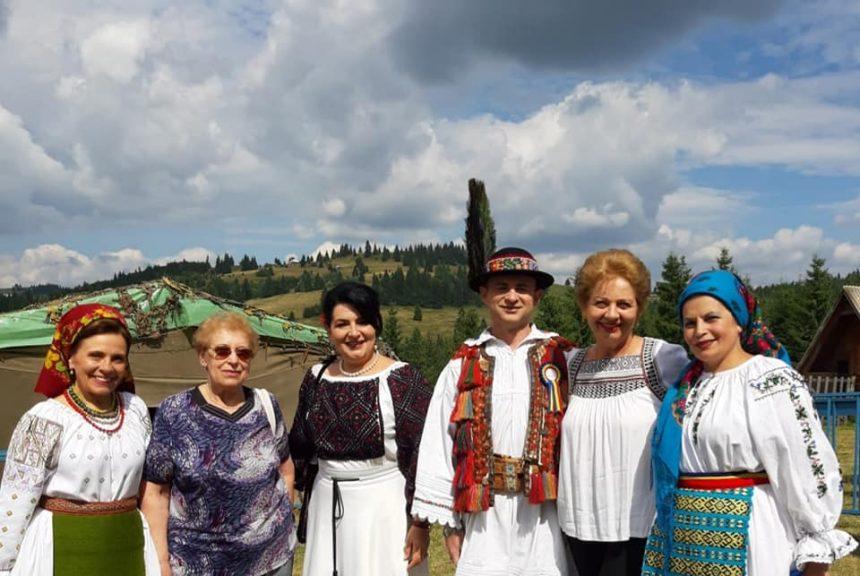 FOTO: Oaspeţi de seamă, la Festivalul Usturoiului în Ţinutul Contelui Dracula