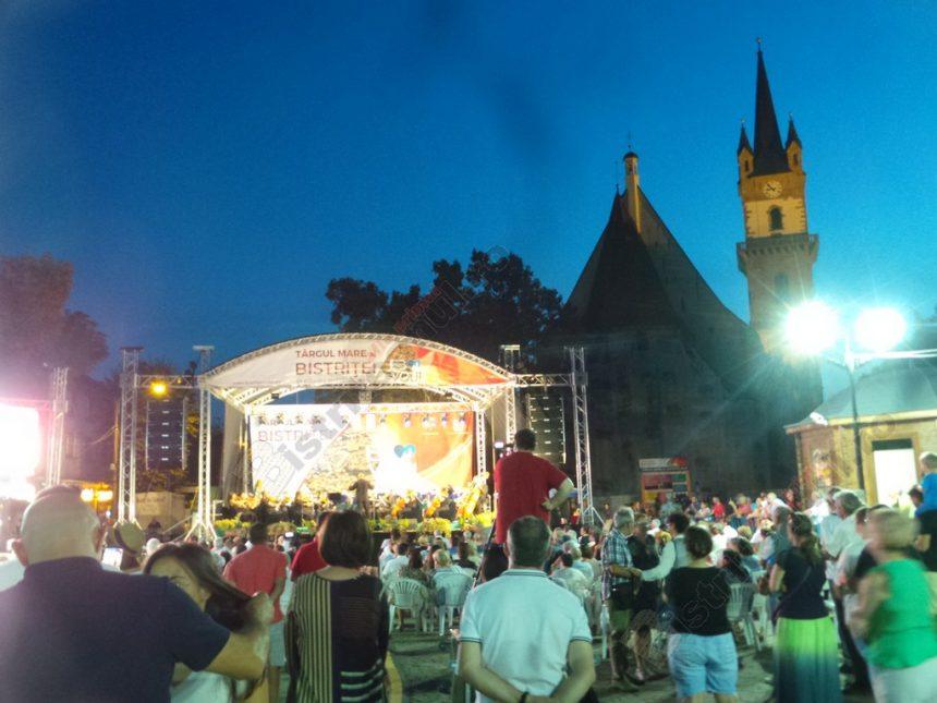 FOTO/VIDEO:  Din Düsseldorf, acasă, ovaţionat şi aplaudat la scenă deschisă…!