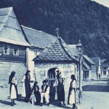 Povești din sat:  Cu etaj