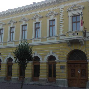 Bani cheltuiți fără rost de o școală din Bistrița, pentru servicii de consultanță