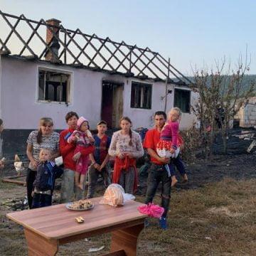 VIDEO: DEVASTATOR! Focul le-a mistuit ieri casa… Acum au nevoie de ajutorul nostru!