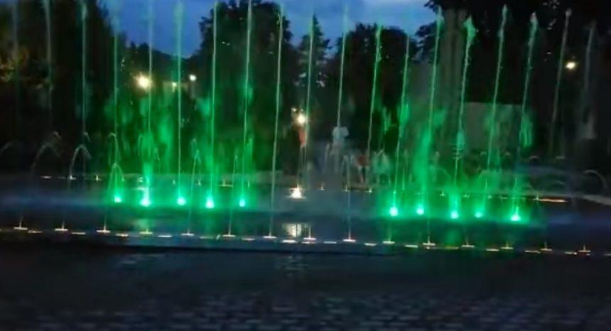 VIDEO: Impresionantă fântână arteziană la Năsăud