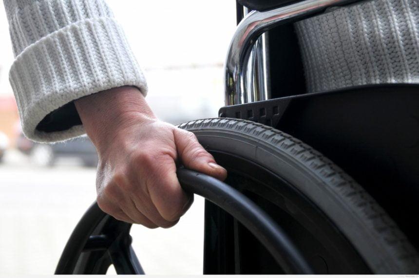 Cum au ajuns persoanele cu handicap de la taxe 0 la gunoi, la preț întreg