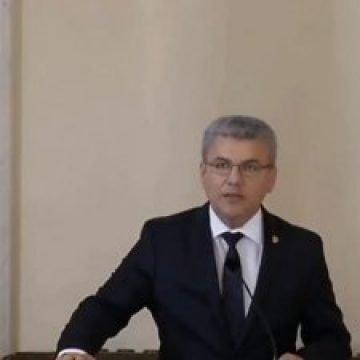 Ministrul Deneș preia încă un minister!