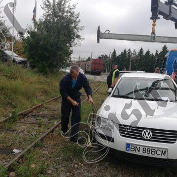 """FOTO/VIDEO: Ai parcat ca un bou, varianta """"la trântă cu trenul"""""""