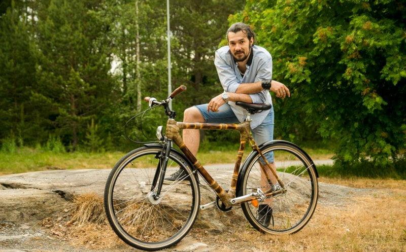 OAMENI din Bistrița-Năsăud: Rareș Vâsc – bistrițeanul care a dat cariera de cercetător în Suedia pe construcția de biciclete din bambus în Cluj-Napoca