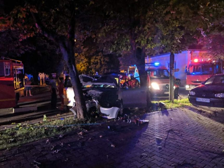 FOTO/VIDEO: Accident GRAV pe C.R.Vivu