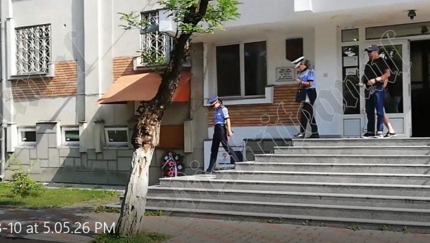 VIDEO: Polițiștii, obligați să poarte uniformă în timpul orelor de lucru! CUM se respectă ordinul la Bistrița: