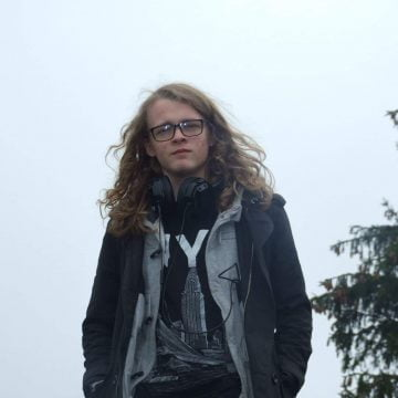 OAMENI din Bistriţa-Năsăud: James Petri, liceanul pasionat de robotică, student la o universitate de top din Irlanda