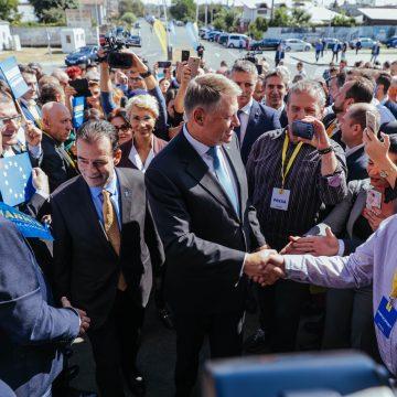 FOTO: Președintele Klaus Iohannis i-a cucerit și pe olteni