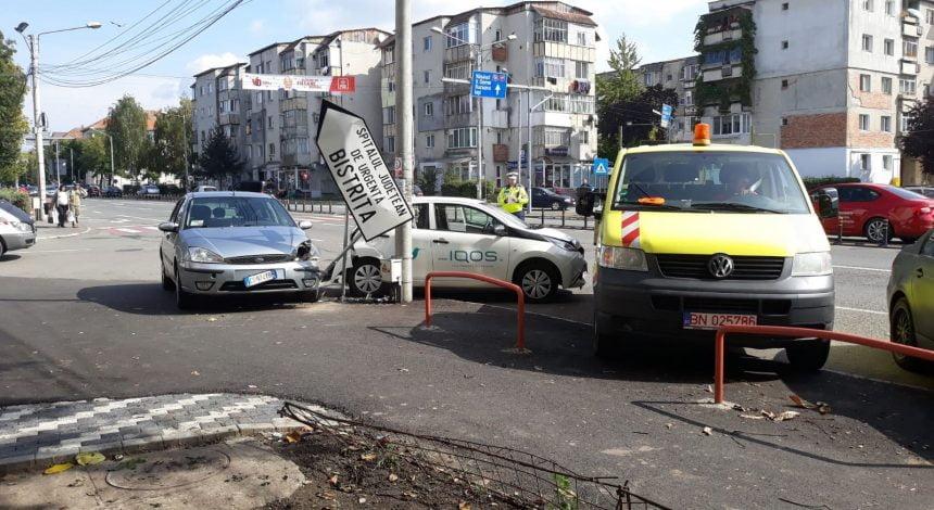 Accident pe Calea Moldovei, provocat de un italian de 79 de ani