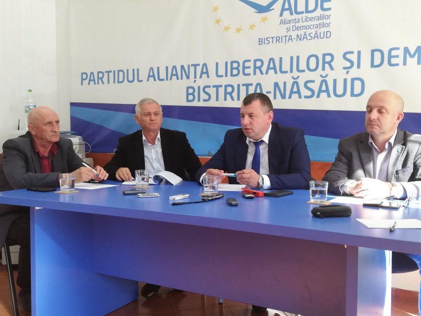 Cei din ALDE BN urăsc trădarea, dar iubesc pe trădători!