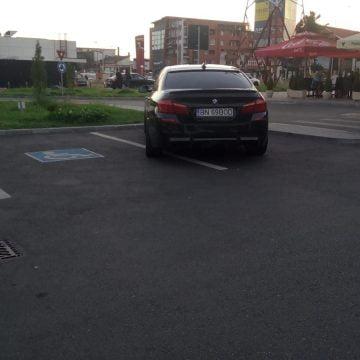 Le-a mărit PSD-ul pensiile și acum se dau numai cu bolizi care încap doar pe două locuri de parcare