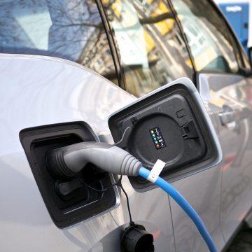 Aveți mașină electrică? Motivul incredibil pentru care n-o puteți încărca la Bistrița