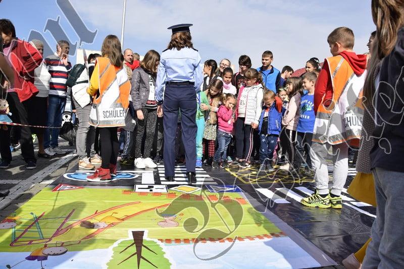 FOTO: O altfel de lecție, cu polițiști, jocuri și premii