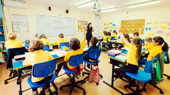 REMARCABIL! 10 școli din județ ajutate de specialiști ai mediului de afaceri. Un gigant din industria IT, implicat în proiect
