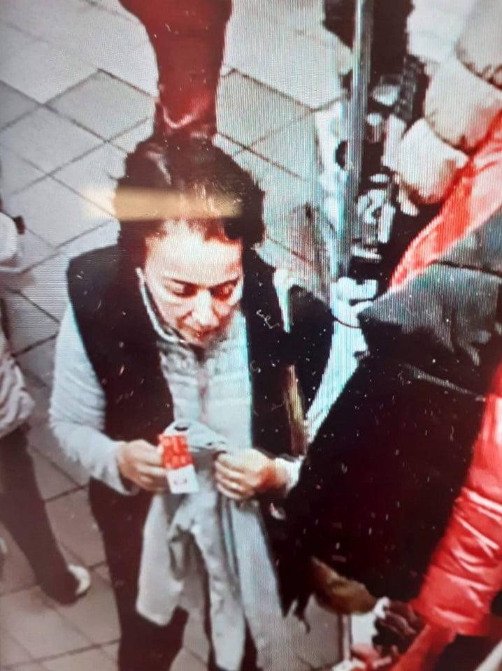 O cunoașteți?? A furat geanta unei cliente! Sunați la 112 dacă aveți informații!