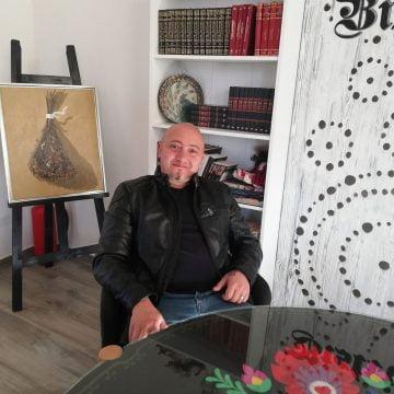INEDIT: Un bucătar din Bistrița a gătit carne de crocodil, zebră și un pui Lamborghini!