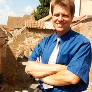 ALEGERI 2019: Din trecutul necunoscut al președintelui Klaus Iohannis – Fotografii inedite