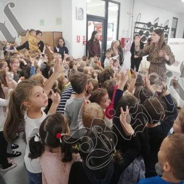 Preșcolarii de la Logos încep mâine cursurile! Educatoarele depistate pozitiv cu COVID 19 NU au avut contact cu cei mici!