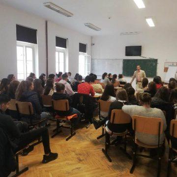 SANOVIL: Discuții despre depresie și anxietate cu liceenii de la Colegiul Național Andrei Mureșanu