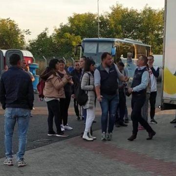 VIDEO: SCANDAL într-un autocar Tabita Tour care mergea în Spania