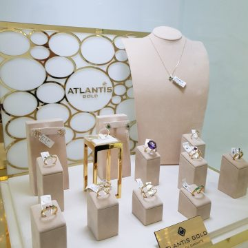 Dacă ești convins că ea e aleasa, ia-i inelul de logodnă cu diamante de la Atlantis Gold! Luna asta, cu 10 la sută mai ieftin