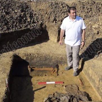 FOTO/VIDEO. Descoperire de EXCEPŢIE, la Sălcuţa: Noi morminte celtice, vechi de 2200 de ani…!