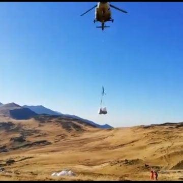 VIDEO: Elicopterul Inspectoratului General de Aviație al M.A.I., în sprijinul salvamontiștilor bistrițeni