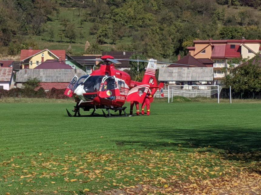 FOTO/VIDEO – Elicopterul SMURD va prelua un bărbat rănit GRAV în pădure!