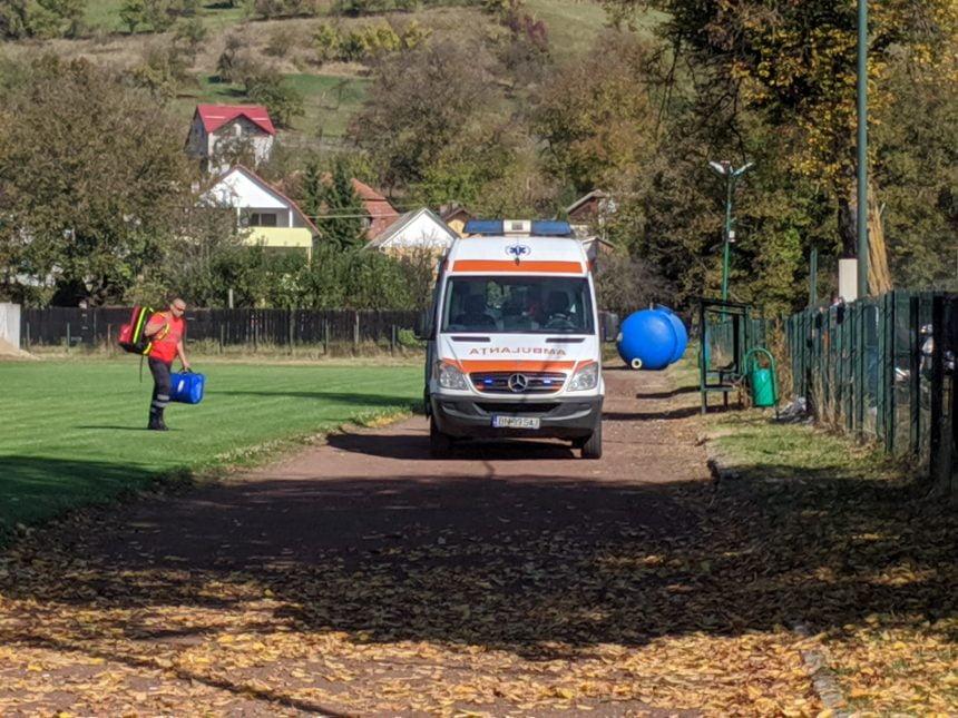 """""""Plase de siguranță"""" la școala din Năsăud unde a căzut în gol un elev de la mai bine de 10 metri"""