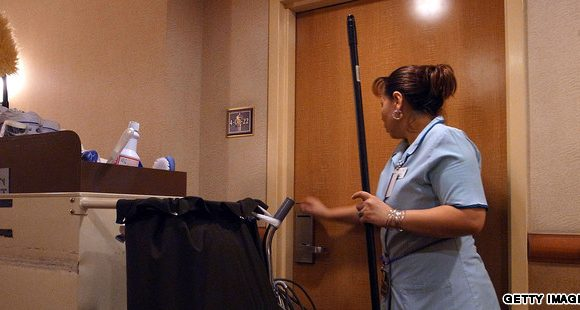 Două angajate ale unui hotel, luate pe sus de poliție! Ce au făcut: