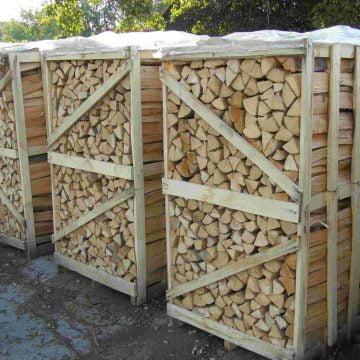 Să tot vină iarna! Avem STOC de lemne de foc!