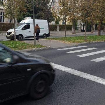 Ioan Turc, către Primărie și Poliție: Semaforizați și luminați așa cum trebuie trecerile de pietoni de pe Republicii!