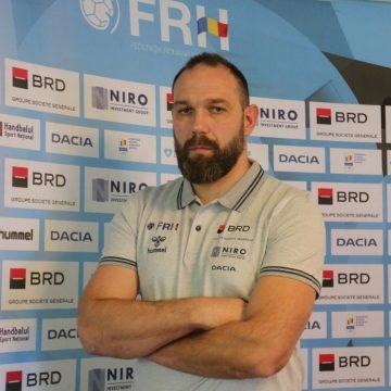 Bistrițeanul Rareș Fortuneanu, antrenor principal ȘI la Naționala României de Handbal masculin