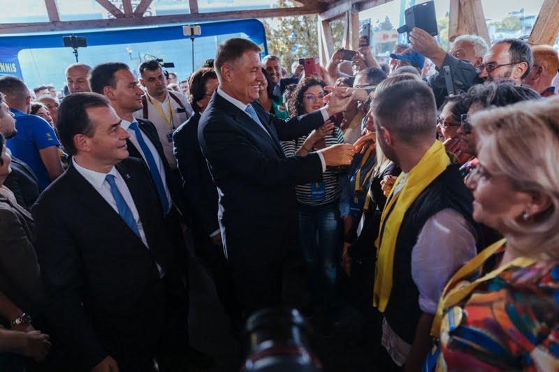 ALEGERI 2019. Iohannis: Războiul cu PSD nu s-a terminat. Urmează bătăliile pentru prezidențiale, locale și parlamentare