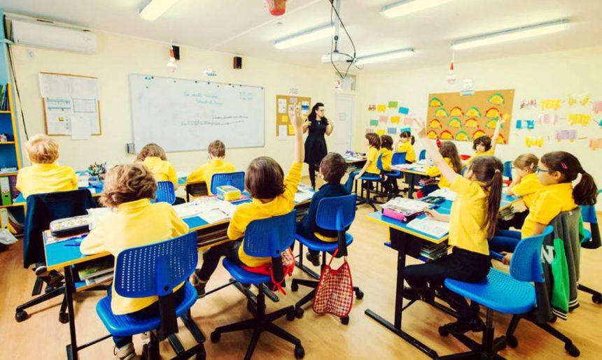 Se suspendă cursurile, într-o școală din Bistrița, din cauza gripei