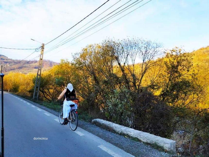 Rostul de dimineaţă:  Să nu ne uităm tradițiile…! Şi nici bicicleta…