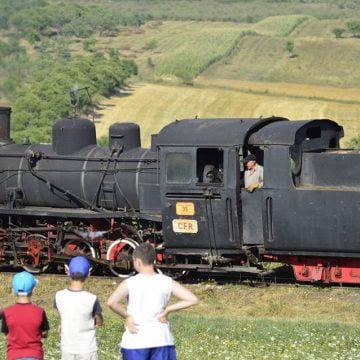 PROSTIE: Rămânem fără Mocănița Transilvaniei de la Teaca! Va ajunge piesă de decor într-o gară