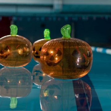 Astăzi este ultima zi de reducere la abonamentele de înot, la Casa EMA!