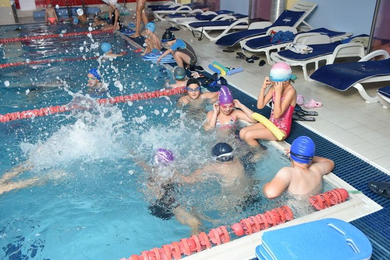 9 ani de relaxare, sport și bună dispoziție, alături de Casa EMA: Aniversare tristă, cu piscina goală, în acest an