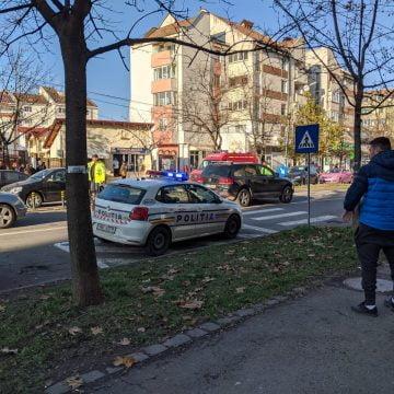 FOTO/VIDEO: Pieton lovit pe trecerea de pietoni de pe Grigore Bălan