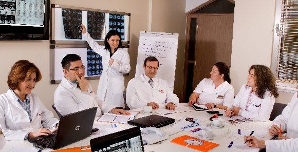 La Spital, ca-n marile centre: O comisie de medici analizează fiecare caz și stabilesc împreună tratamentul!