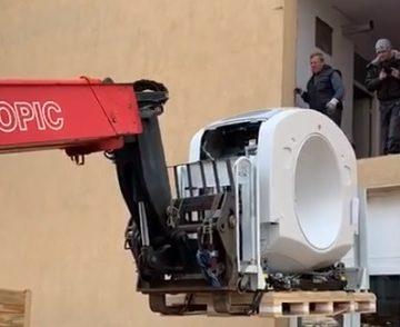 VIDEO: Ce intrare! A sosit CT-ul ultra performant, la Spitalul Județean!