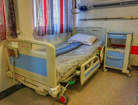 FOTO Confort sporit pentru pacienții Spitalului Județean. Perioada paturilor secod-hand se încheie!