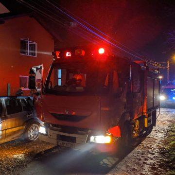 Incendiu la o casă de tip familial din Bistrița. Nouă copii au fost evacuați de urgență