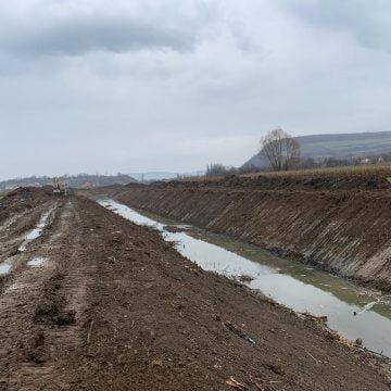 FOTO: Fără betoane pe râul Dipșa, la Lechința!