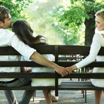 Nevasta și presupusa amantă, față în față la Judecătorie! Totul a pornit de la un SMS de dragoste