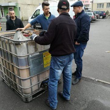 BISTRIȚA: Containere speciale, pentru uleiul uzat, în Piața Decebal și Independenței!