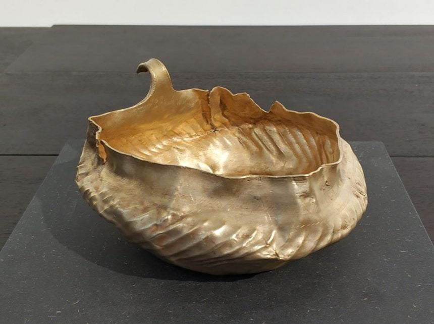 Un vas din aur descoperit lângă Bistrița, prezentat la un important festival al artei, organizat de casa regală belgiană